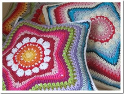 crochet star pillows