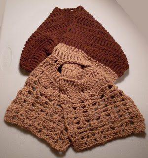 keyhole closure crochet scarf