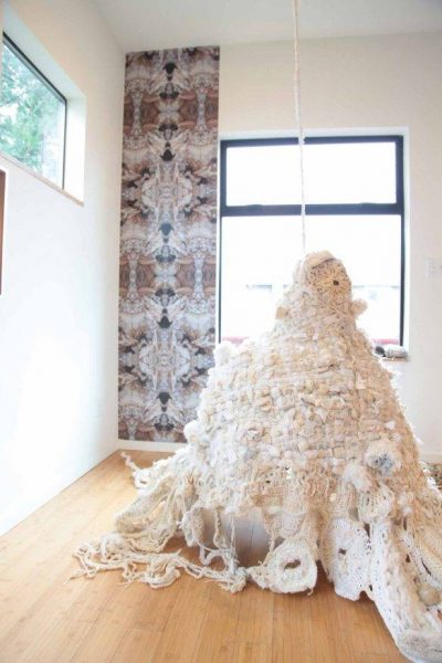 mandy greer crochet art 400x600 Crochet: 2011, 2012, 2013 (2/25   3/3)
