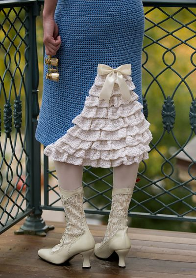 ruffle crochet skirt 400x566 100 Unique Crochet Skirts