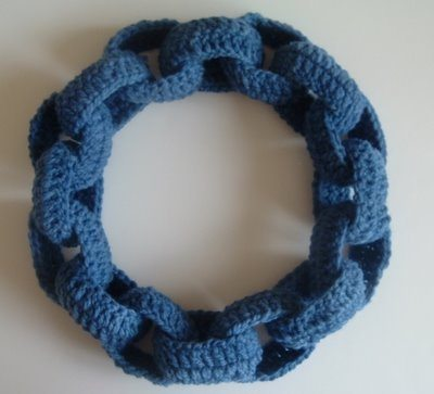 Knitting Pattern For Chain Link Scarf : 10 Fun Examples of Chain Link Crochet Necklaces