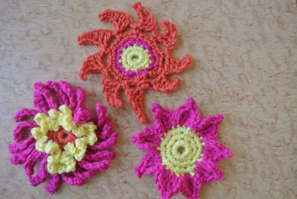 DSC 6691 600x402 Photos of Crochet Flowers to Brighten Your Day