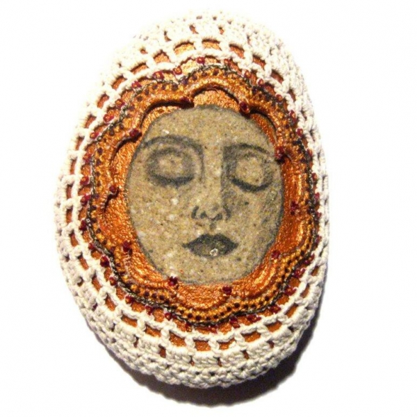 lois collins crochet stones 600x600 Crochet Blog Roundup: June in Review
