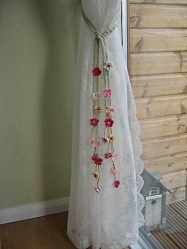 Free Crochet Pattern Flower Curtain : crochet flower curtain ties