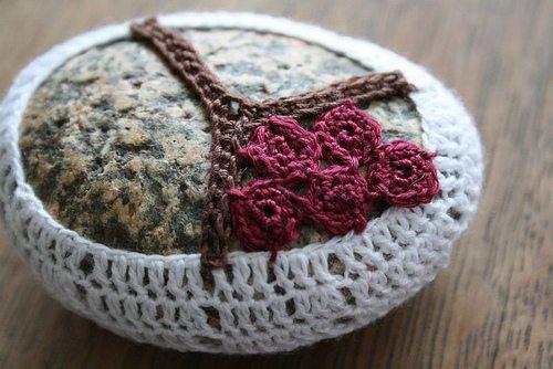 crochet flower rock tutorial