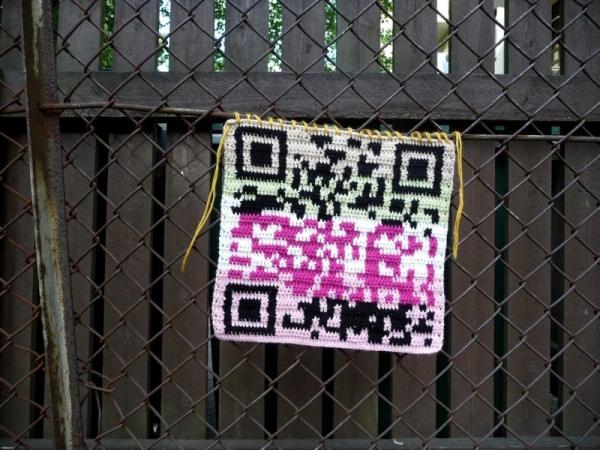crochet qr code yarnbomb
