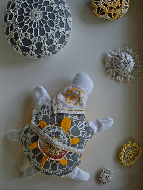 crochet turtle scene 20 Unique Examples of Crochet Covered Stone Art