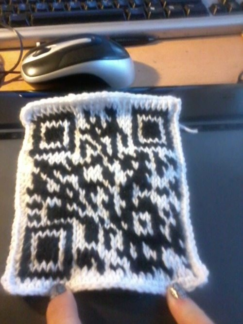 tunisian crochet qr code Tech Crafty: Examples of Crochet QR Codes