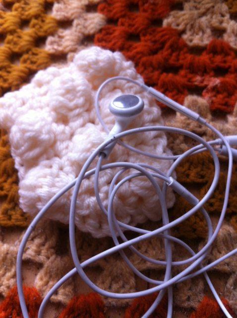 crochet earbud holder