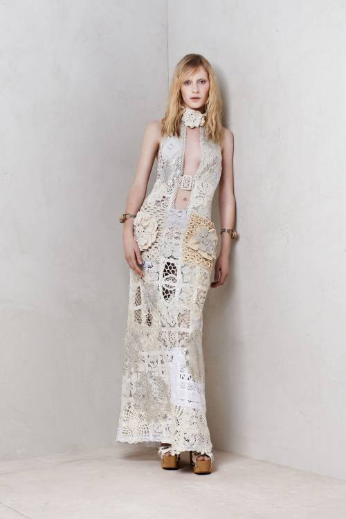 Post image for Alexander McQueen Doily-Inspired Dress is Stunning
