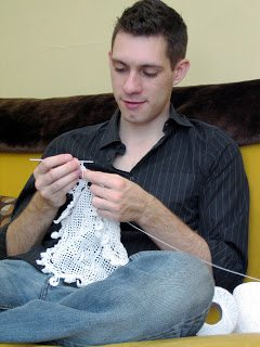 Post image for De-Stash Your Yarn With a Donation to Male Crochet Artist