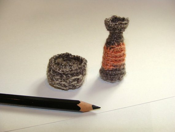 crochet micro vase 20 More Examples of Extreme Tiny Crochet