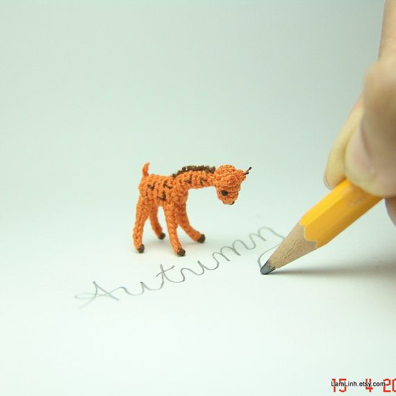 microcrochet giraffe 20+ Amazing Examples of Teeny Tiny Crochet and Amigurumi