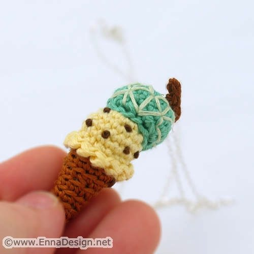 miniature crochet ice cream 20 More Examples of Extreme Tiny Crochet