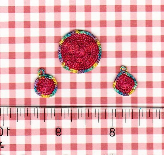tiny crochet potholders 20 More Examples of Extreme Tiny Crochet