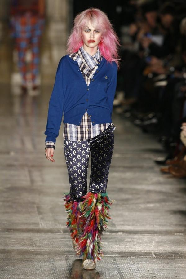 westwood style 600x900 Designer Crochet: Vivienne Westwood
