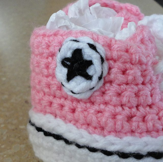 Free Crochet Pattern For Baby Converse : crochet baby converse shoes