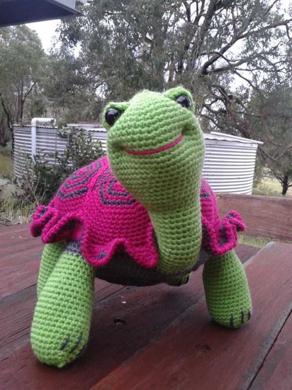 crochet tortoise 600x800 Life Saving Crochet and Adorable Crochet Tortoises