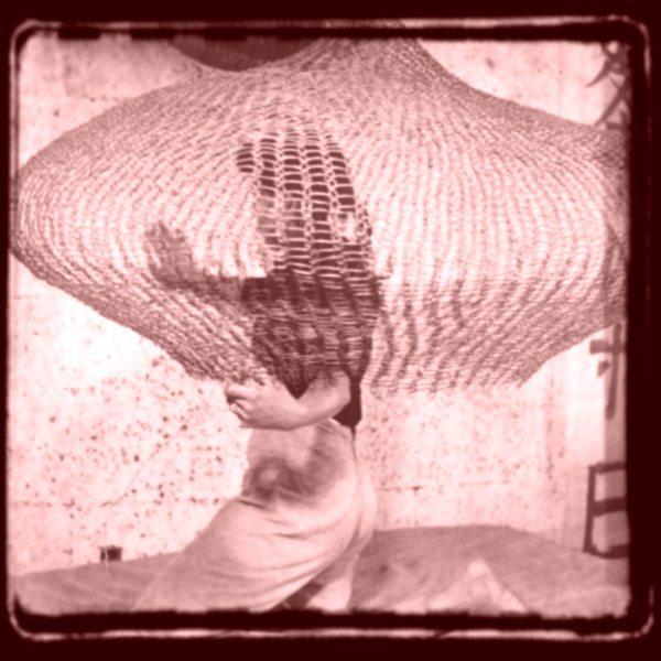 ruth asawa crocheting