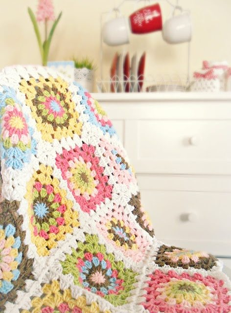 crochet square blanket 10 Bold Examples of Crochet Blocks and Squares
