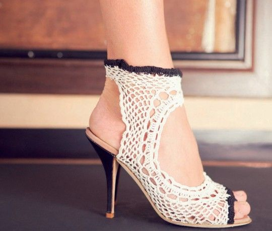 brundage crochet high heels 10 Gorgeous Examples of Crochet Shoes
