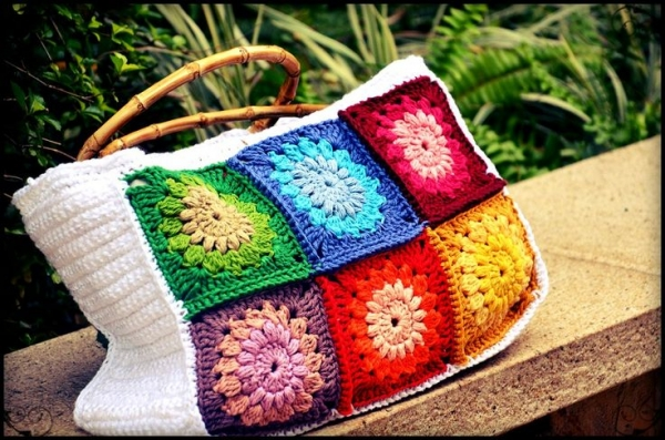 crochet granny sunburst purse