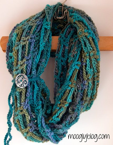 10 Examples of Crochet Scarves From Pinterest
