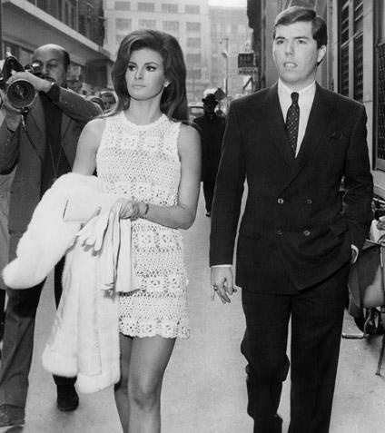 raquel welch crochet wedding dress 10 Beautiful Celebrities Wearing Crochet