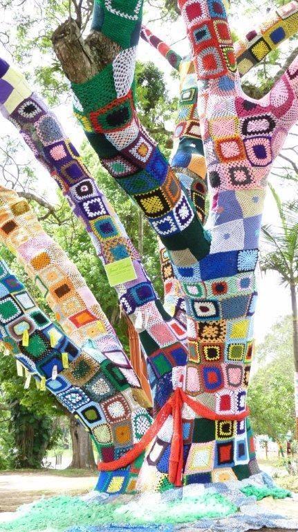 yarnbomb tree