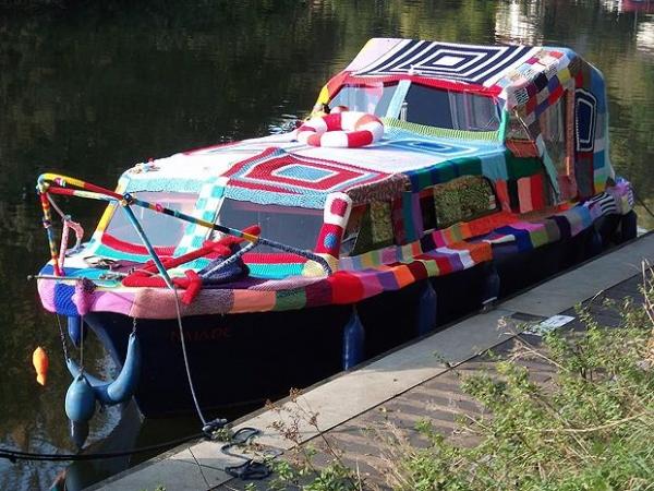 yarnbombed boat