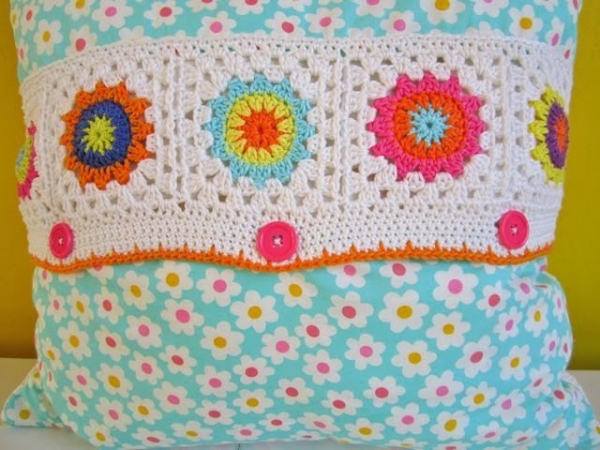 crochet flowrer square tutorial 600x450 Best Crochet Patterns and News (Link Love)