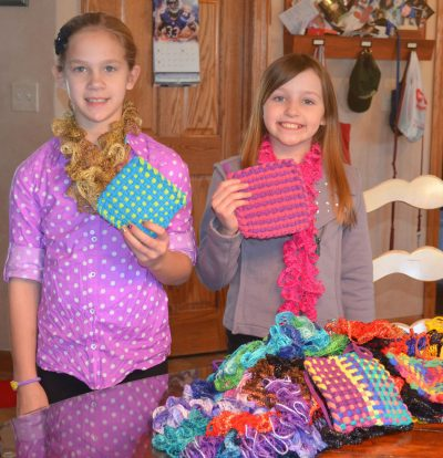 crochet scarves for homeless 400x414 crochet scarves for homeless