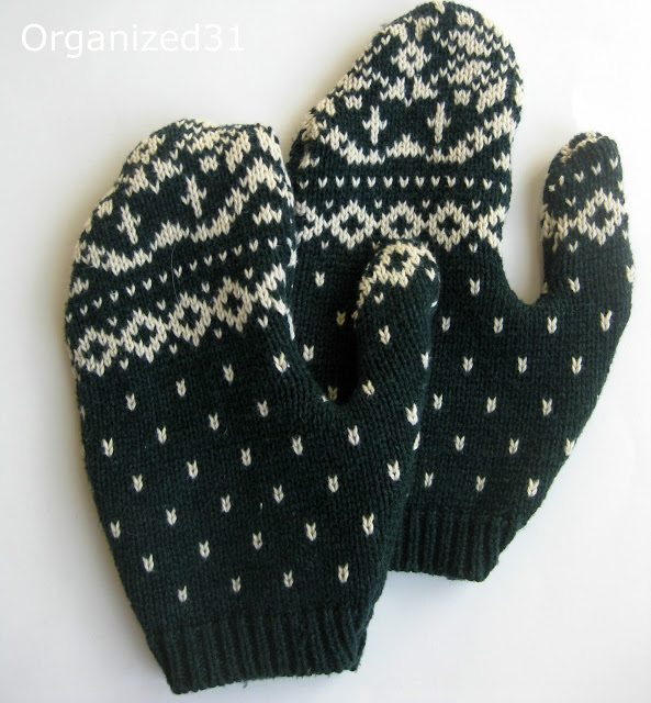upcycled sweater craft mittens 20 Wonderful Tutorials for Unique Upcycled Sweater Crafts