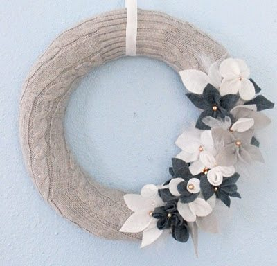upcycled sweater craft wreath 20 Wonderful Tutorials for Unique Upcycled Sweater Crafts