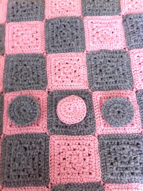 Post image for Crochet Baby Checkerboard Blanket (My Mom Makes!)