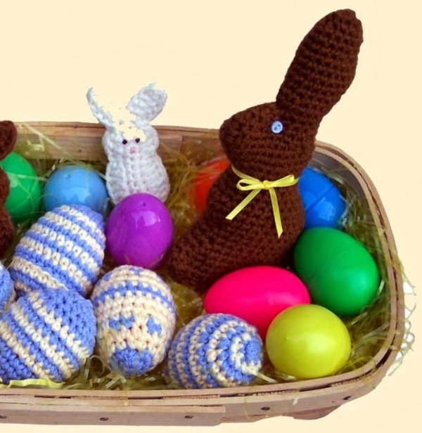 crochet easter bunny 600x616 Best Crochet Patterns, Ideas and News (Link Love)