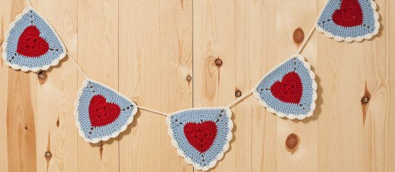 crochet granny heart triangle
