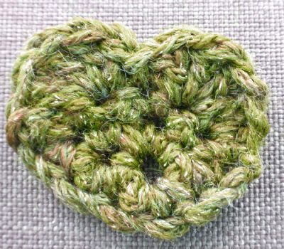 green crochet heart 400x350 green crochet heart