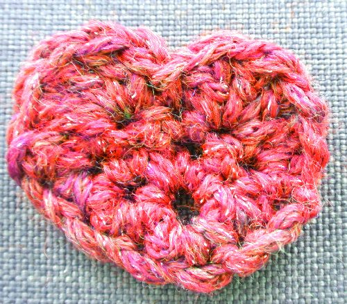 red crochet heart Why Link Love Matters