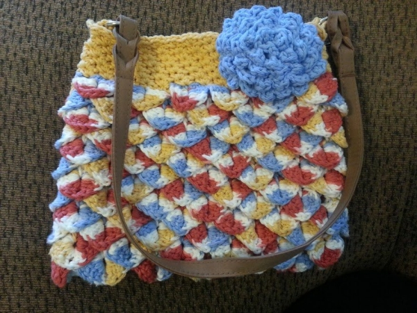 crochet bag1 600x450 Meet Sabrina: Crocheting for Others