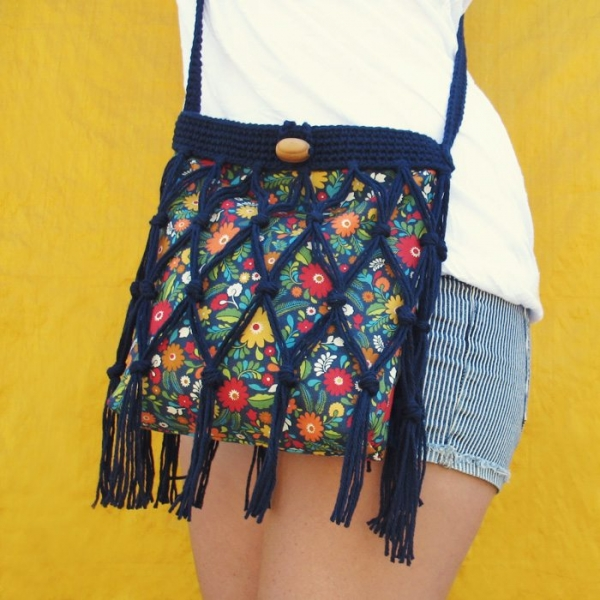 Crochet Bags And Purses Tutorial : crochet and sewing tutorial by @gleefulthings for Floral Fringe Bag ...