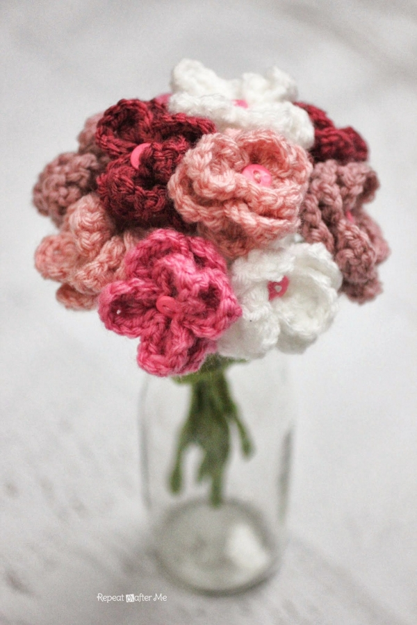 crochet flower bouquet1 600x900 Link Love for Best Crochet Patterns, Ideas and News