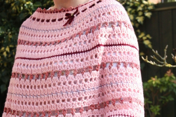 crochet poncho pattern 600x399 Link Love for Best Crochet Patterns, Ideas and News