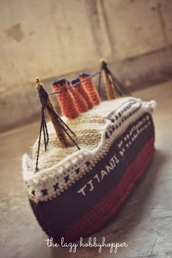 crochet titanic 20+ Beautiful Examples of 2014 Crochet Art