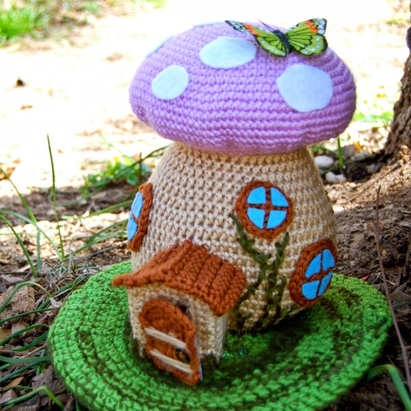 crochet fairy house 600x600 Link Love for Best Crochet Patterns, Ideas and News