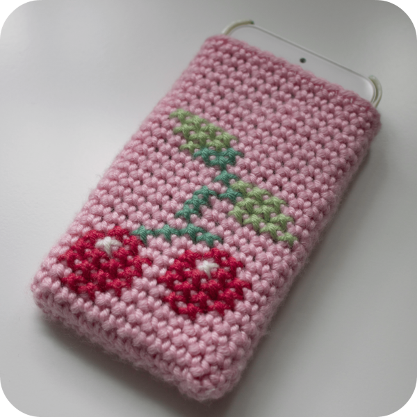 crochet phone cozy 600x600 20+ More of the Best 2014 Crochet Patterns