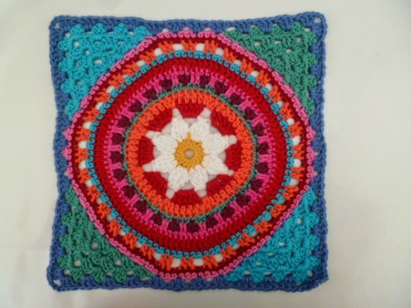 granny square corners 600x450 Link Love for Best Crochet Patterns, Ideas and News