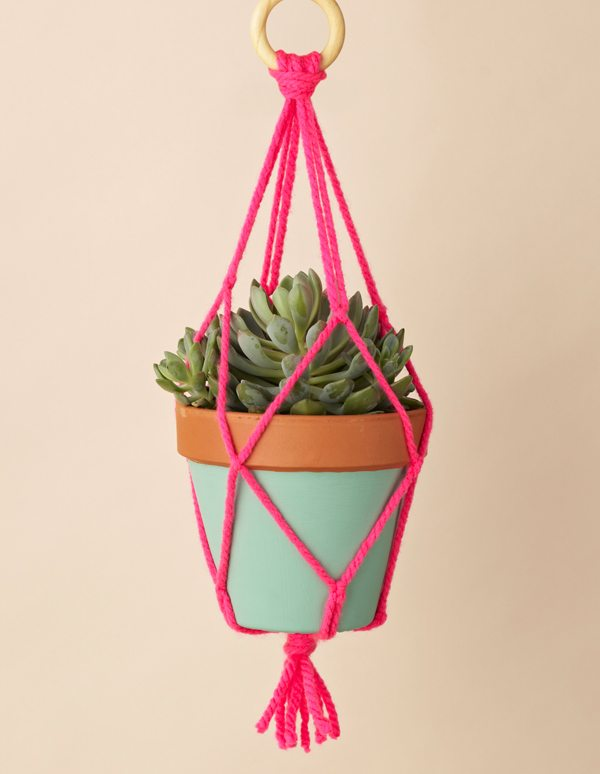 macrame plant holder Link Love for Best Crochet Patterns, Ideas and News