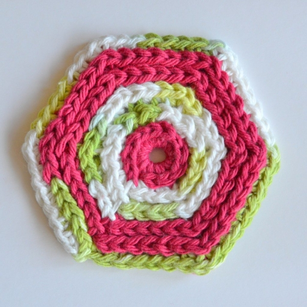 crochet coasters patterns 600x600 Link Love for Best Crochet Patterns, Ideas and News