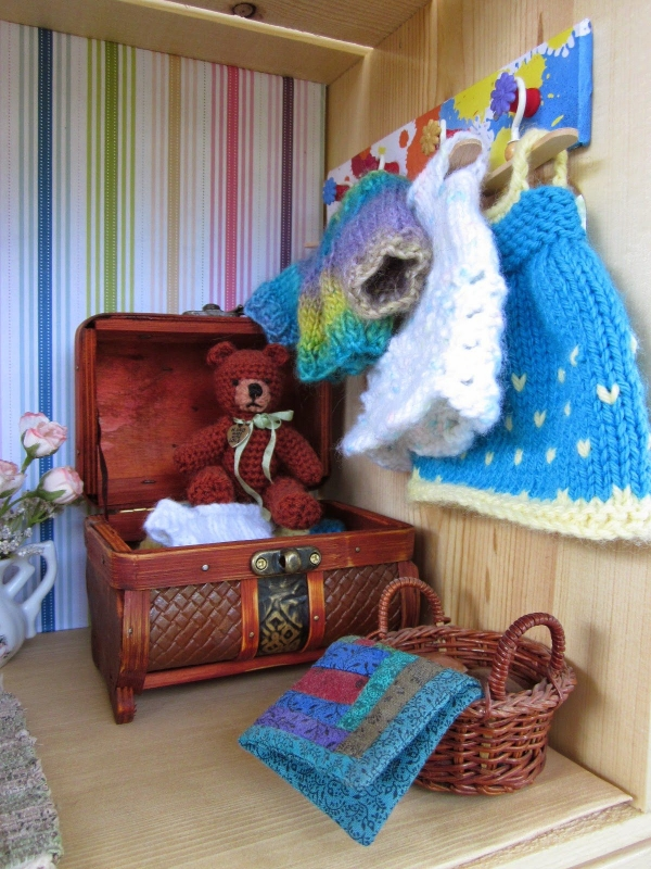 crochet dollhouse